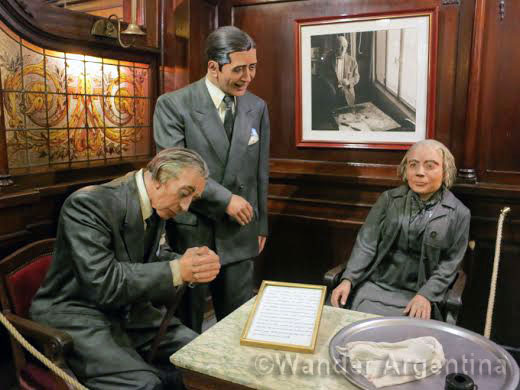 Life-size replicas of Jorge Luis borges, Carlos Gardel, and Alfonsina Storni in the Cafe Tortoni, Buenos Aires.