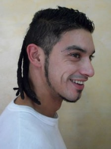 A picture of the Argentine hairstyle we call the 'dreadlock mullet'
