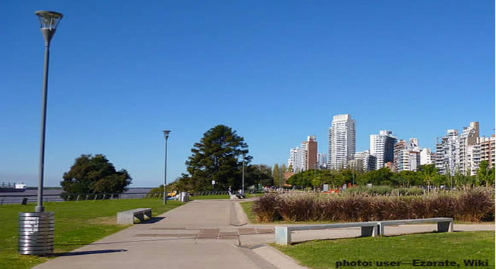 The costanera, or waterfront in Rosario, Argentina