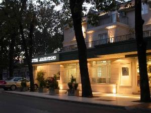 Mendoza hotels and hostels for Espejo 70 mendoza