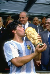 Diego Maradona kissing the trophy after winning the World Cup