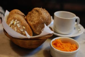 Abuela Pan — A Cozy Vegetarian Lunch Spot in a Historic House