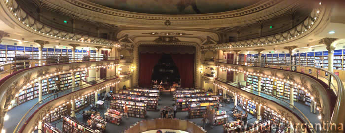 A panoramic view of the interior of the El Ateneo bookstore