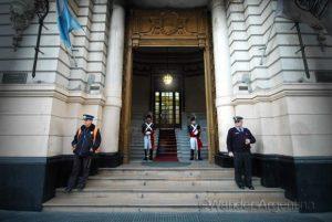 Foto of the Week — Patricios Guard the Cabildo