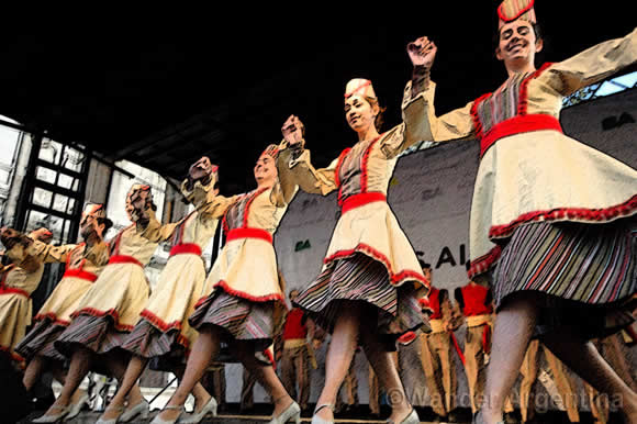 Traditional dance at the Syrian festival in Buenos Aires
