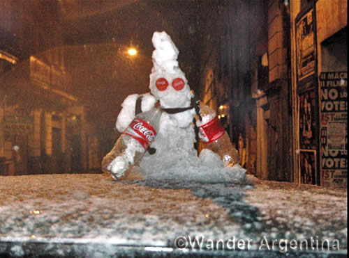 A small snowman in Buenos Aires from 2007