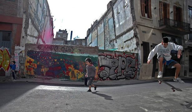 Kids enjoy spring-like weather in August in Buenos AIres