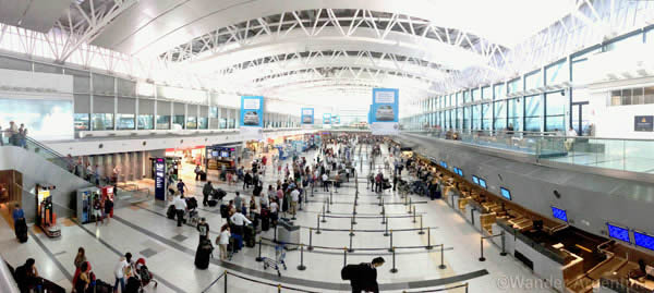 The check in area at Ministro Pistarini International Airport (commonly known as Ezeiza), Argentina's largest airport. width=