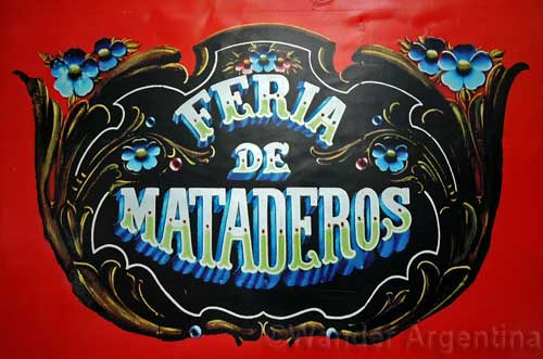 A sign that says Feria de Mataderos