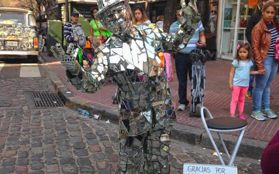 Mirror man, a performer in the San Telmo Fair